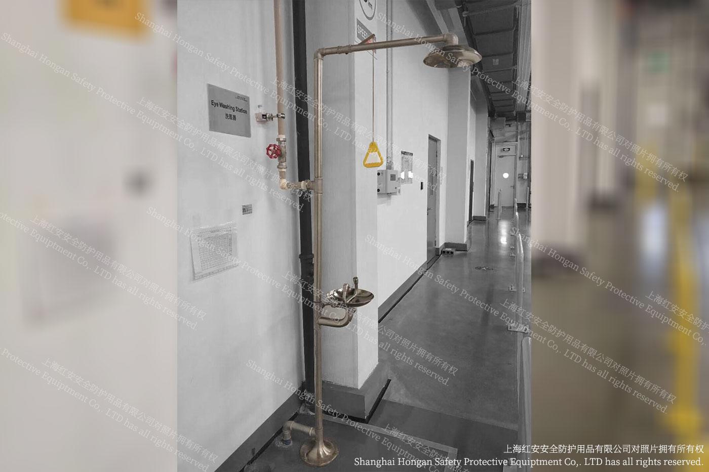 3客户秀图-洗眼器实际图片-上海红安洗眼器厂家.jpg