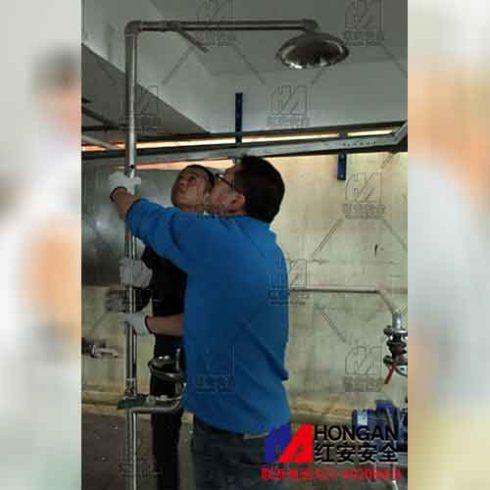 上海红安为化工企业上门安装复合式洗眼器